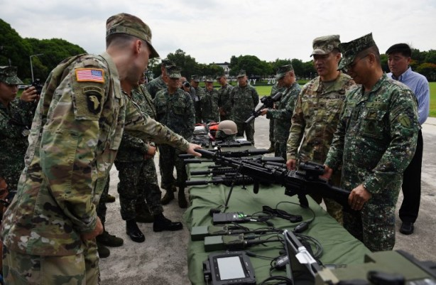 PHILIPPINES-US-MILITARY-ARMAMENT